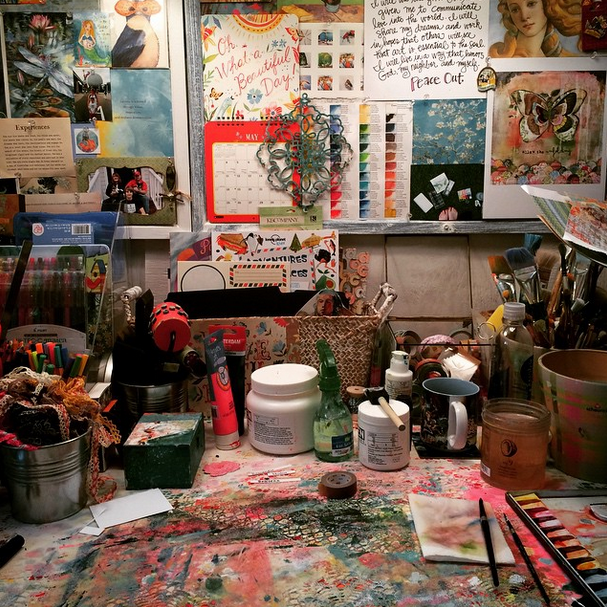 She-Shed-functions-art-studio-so-creative